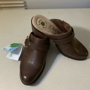 Earth Origins Slip-on Shoes 8M All Man Made